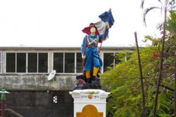 monument aux morts de pointe noire