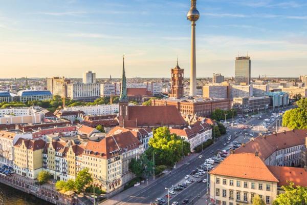 shutterstock 314149679 berlin oxford page