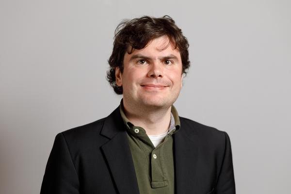 Dr Maximilian Schuh
