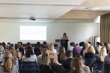 Jenna C. Ashton presenting at the Women & Power conference © Stuart Bebb