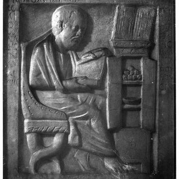 greco roman physician in his study plaster cast in w h m m wellcome m0001579