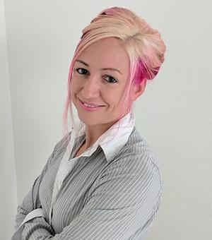 Image of Emily Troscianko with white background
